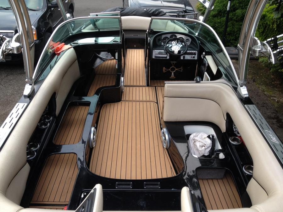 Mb carpet replacement with seadek boats accessories tow vehicles for Replacing interior boat carpet