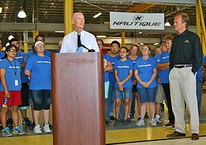 Governor Rick Scott addresses Correct Craft employees